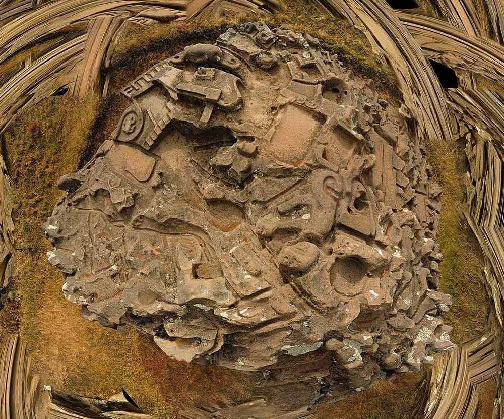 Странный камень, представляющий собой 3D-карту с каналами, террасами, реками и прудами, поставил в тупик археологов