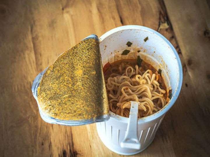 Что произойдет с вашим телом, если вы будете каждый день кушать лапшу быстрого приготовления