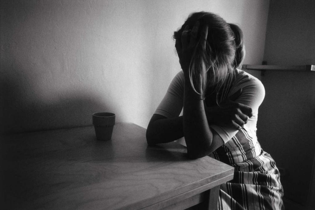 Все картинки на аву грустные девушки
