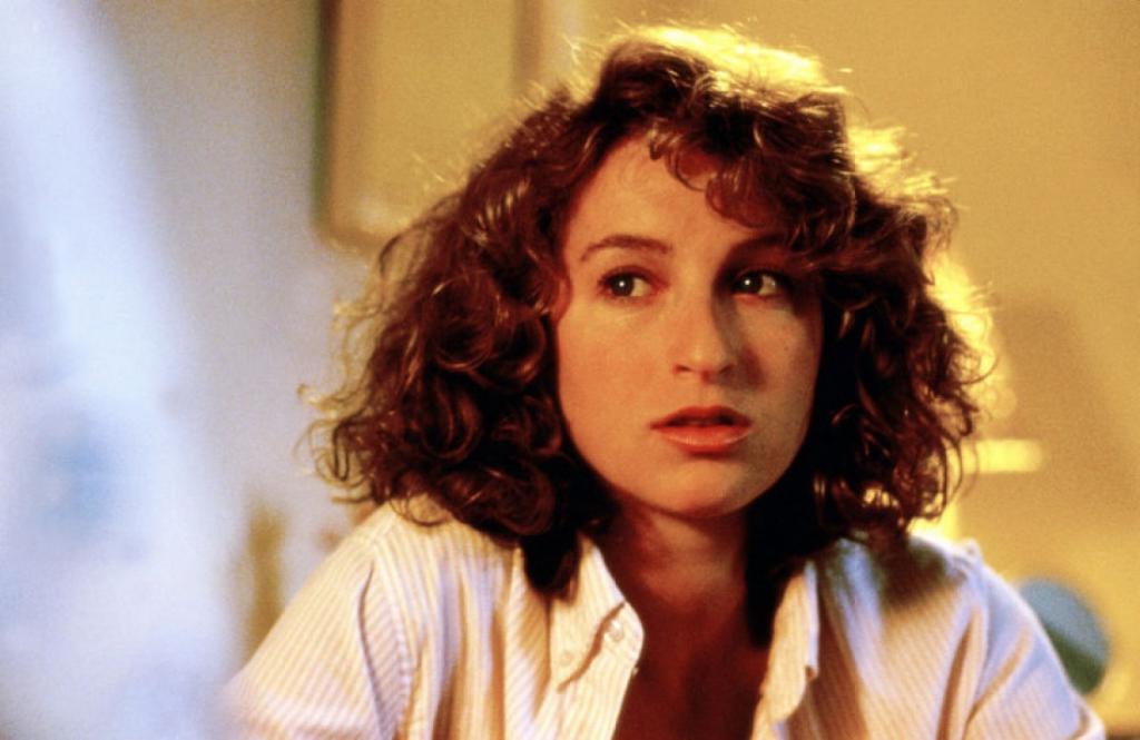 Как сложилась судьба героини культового фильма  Грязные танцы  Дженнифер Грей. Почему она исчезла с экранов