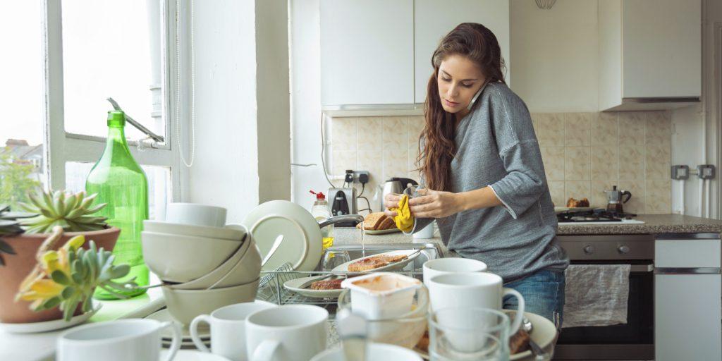 Кофе, жирная еда, игра в приставку: