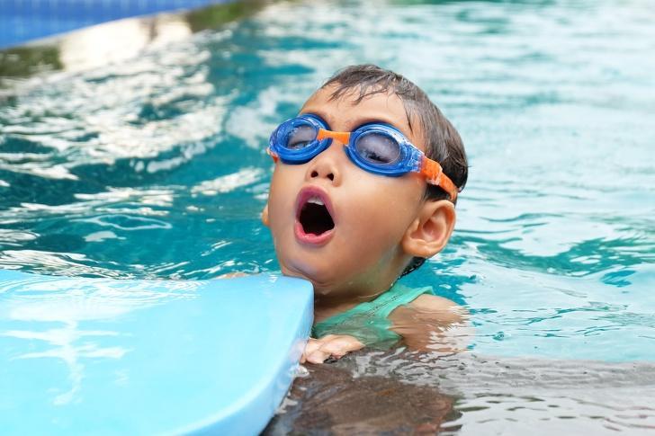Наводить чистоту и другие вещи, которым ребенок должен научиться в детстве, чтобы вырасти счастливым