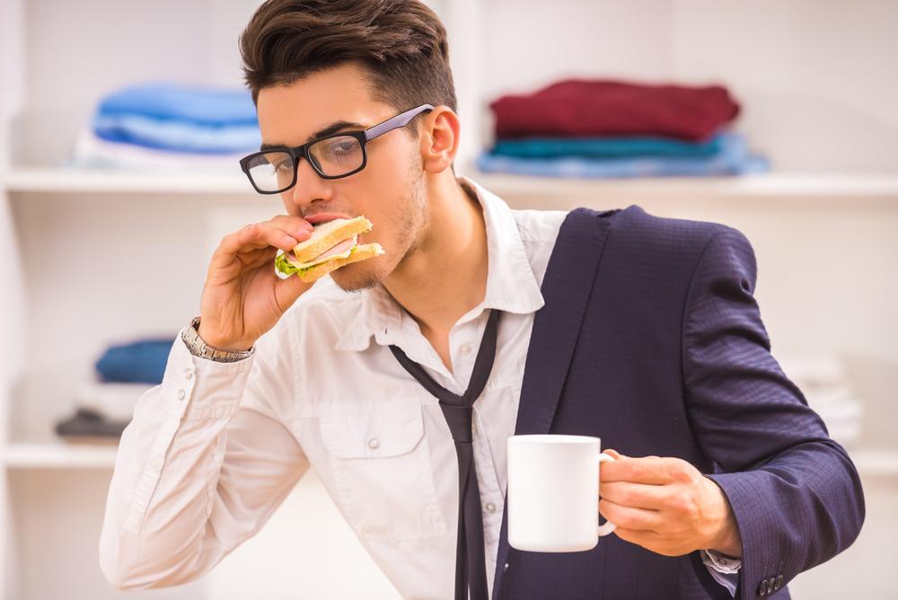 Насколько верна теория, что быстрая еда приводит к увеличению веса
