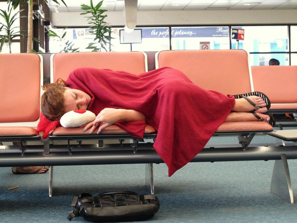 статье фото как люди спят на вокзале акустический