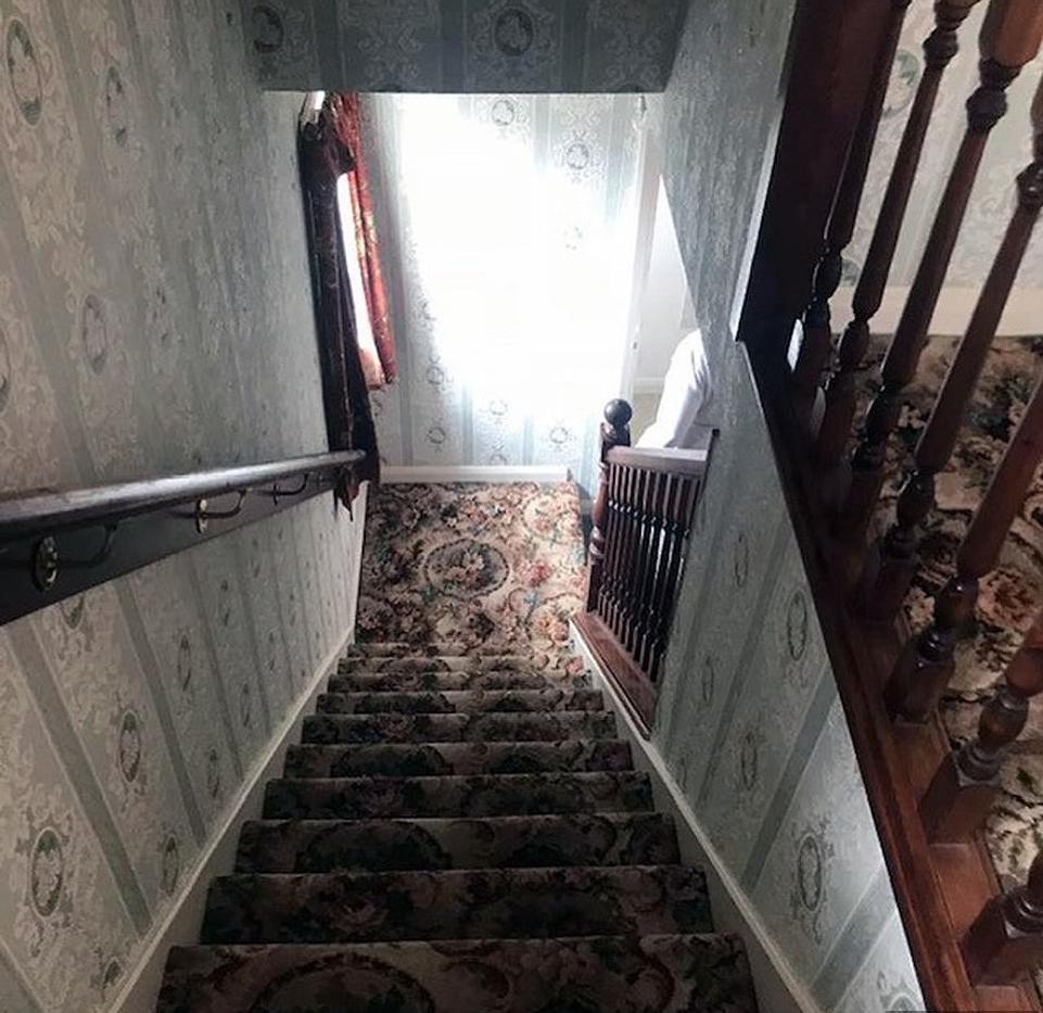 Чтобы пережить развод после 10 лет брака, женщина решила отремонтировать дом. Она спаслась от депрессии и разбогатела