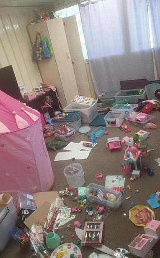 Уставшая мама поделилась фотографиями беспорядка, который устраивают ее дети. В ответ она получила советы по уборке