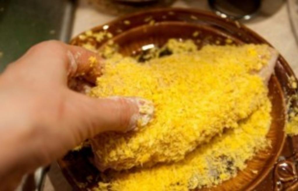 Друг-спортсмен научил меня готовить куриные грудки с сыром. Получается не только вкусное, но и низкокалорийное блюдо
