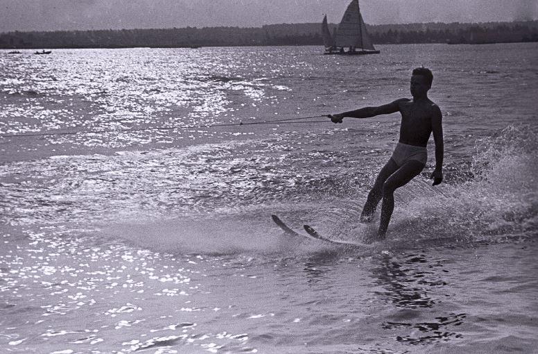 14 фото о том, как отдыхали люди на пляжах СССР