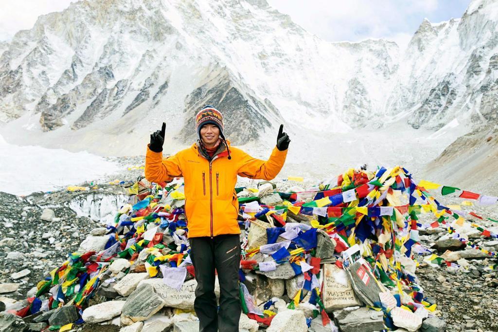 Мне стыдно за людей и страшно за наше будущее: гора Эверест покрыта  гигантской кучей мусора (фото) | Общество | Селдон Новости