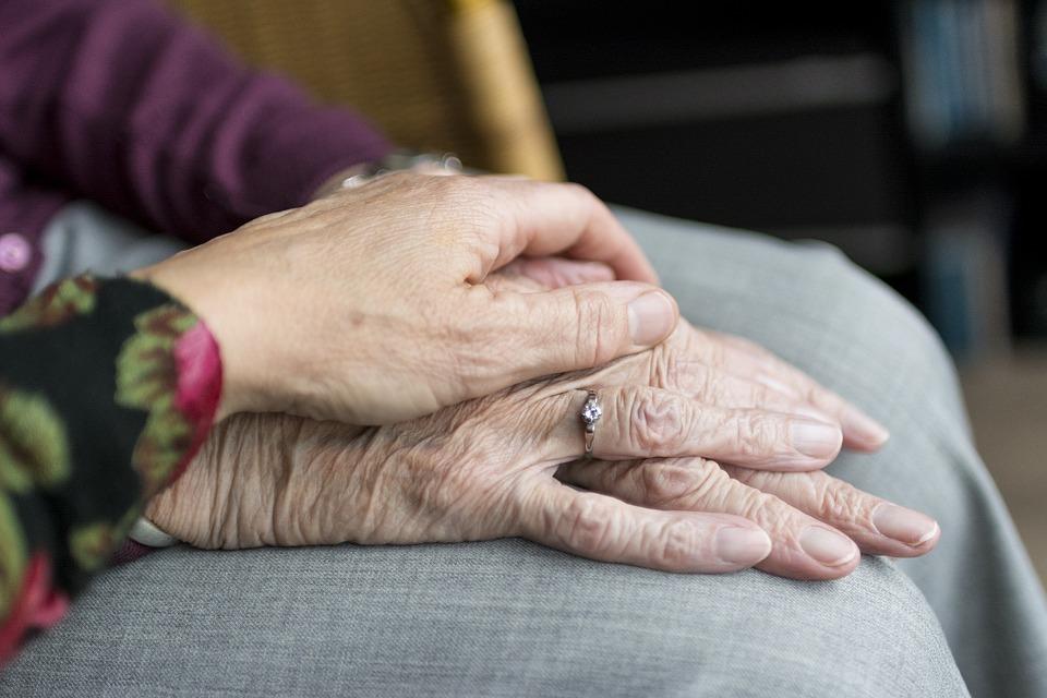 Пожилая женщина написала своей дочери трогательное письмо, которое содержит послание для каждого человека