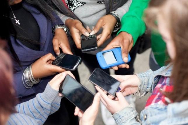 Запретить мобильники в школах было бы большой ошибкой! Вот почему