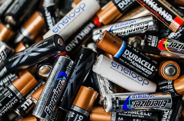 Открытка с батарейкой