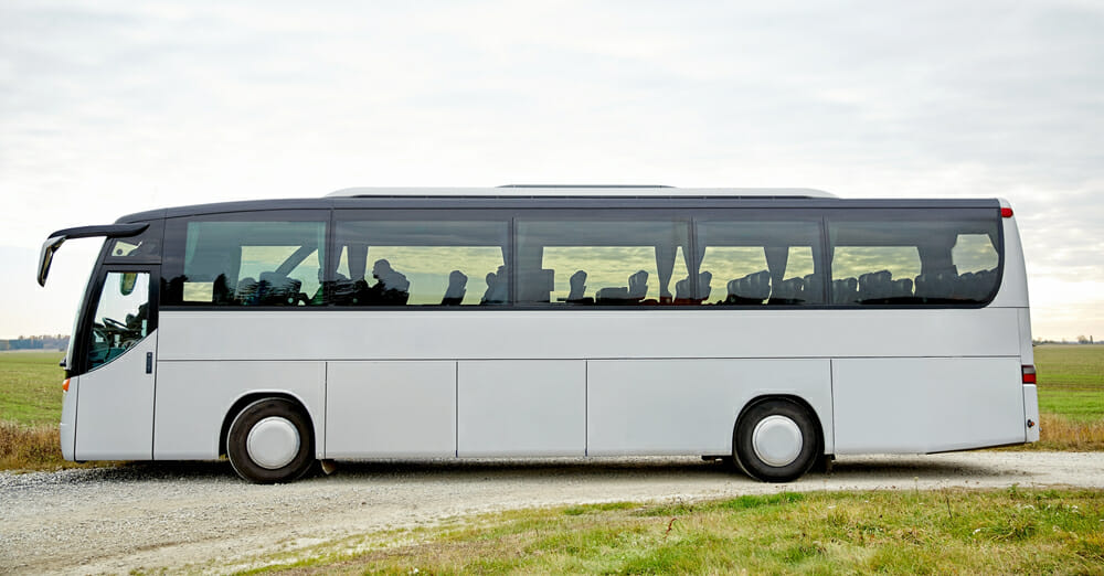 Воры пытались откачать топливо из автобуса - но откачали нечистоты
