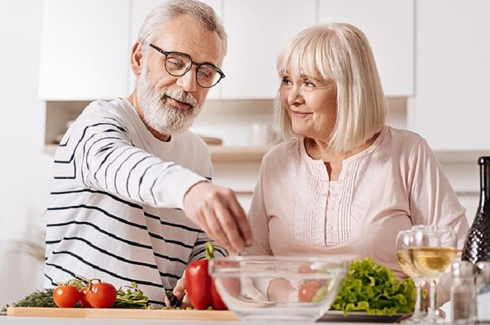 Фасоль, овсянка и еще 9 продуктов, которые должны быть в рационе людей в пятьдесят лет