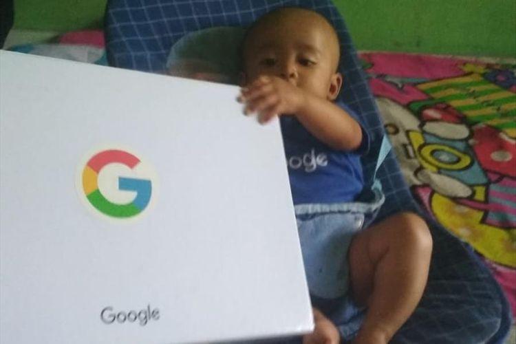 Родители из Индонезии дали сыну имя Google, считая, что оно сделает мальчика успешным