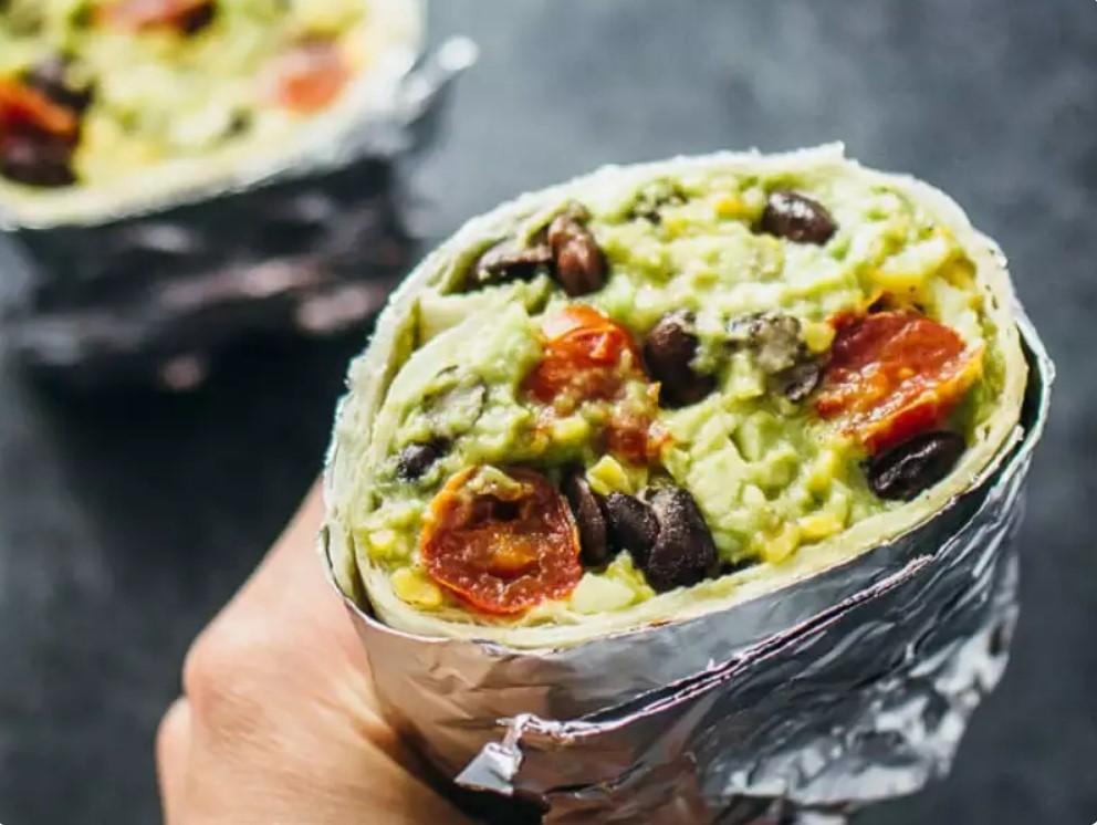 От салата с рубленной питой до овощных бургеров. Идеи легких и низкокалорийных ланчей