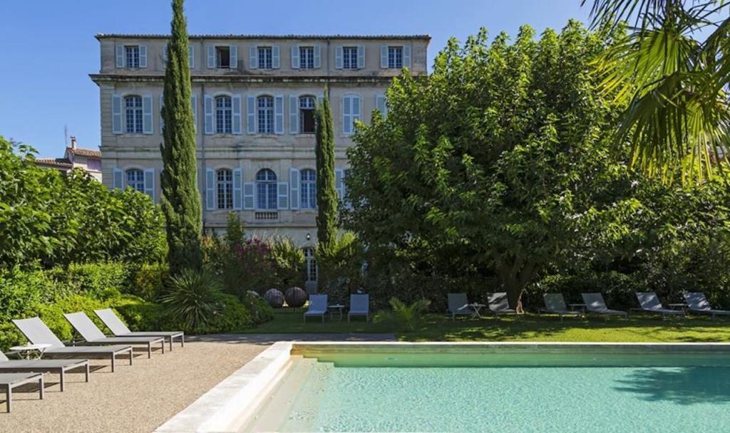 Французская Ривьера без блеска и гламура: Марсель, остров Иф, бывший особняк маркиза де Сада и другие значимые места