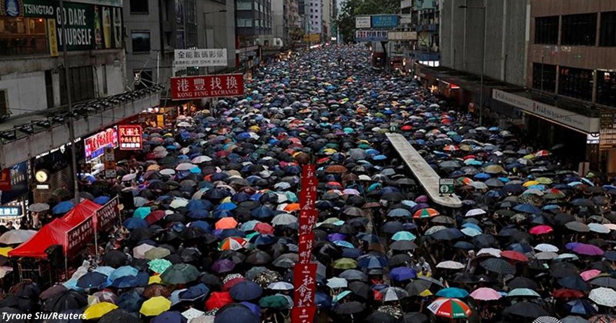 В Гонконге на акцию протеста вышли 1,7 млн человек! Что там вообще происходит?