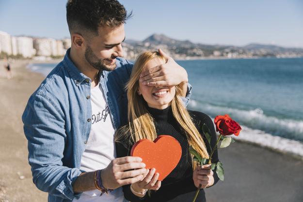 11 вещей, которые делает мужчина, если ему дорога его женщина