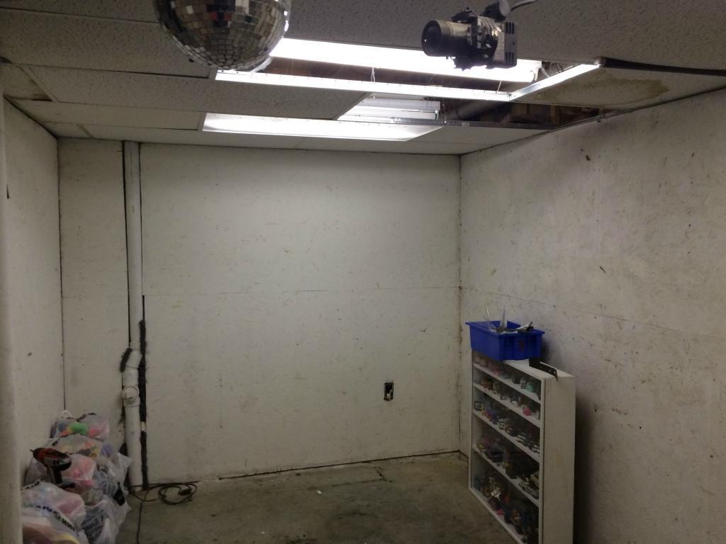 Мужчина купил крошечный склад всего за 107 долларов и превратил его в отличное место для отдыха