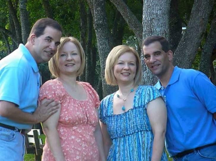 Две сестры близняшки вышли замуж за двух братьев, тоже близнецов и у них родились удивительные дети