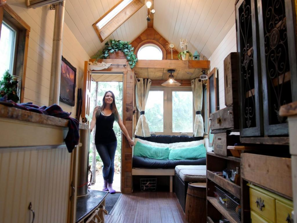 Так ли хороши маленькие дома на колесах на самом деле: владельцы рассказывают о трудностях, с которыми им приходится сталкиваться