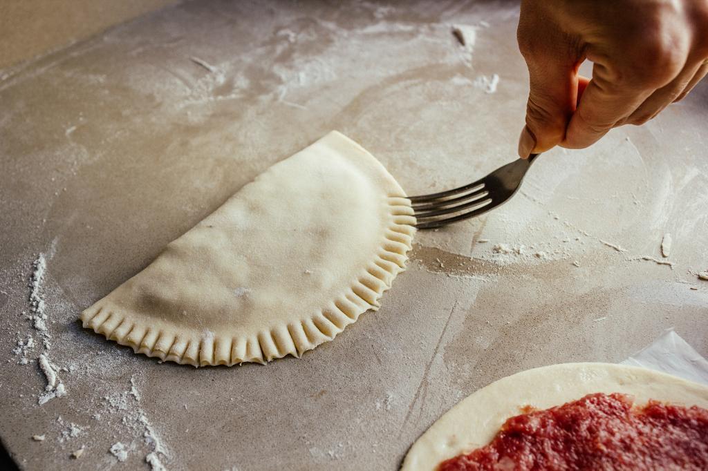 Сочные домашние чебуреки с мясом, которые любит вся моя семья: пошаговый рецепт с фото