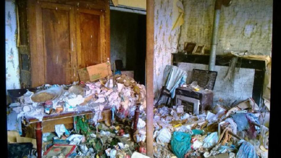 Пара купила комнату в заброшенной пещере всего за 1 евро и превратила ее в дом своей мечты (фото)