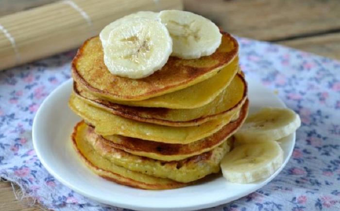 Подруга-диетолог посоветовала готовить каждое утро оладьи без муки: проблема лишнего веса теперь меня не беспокоит