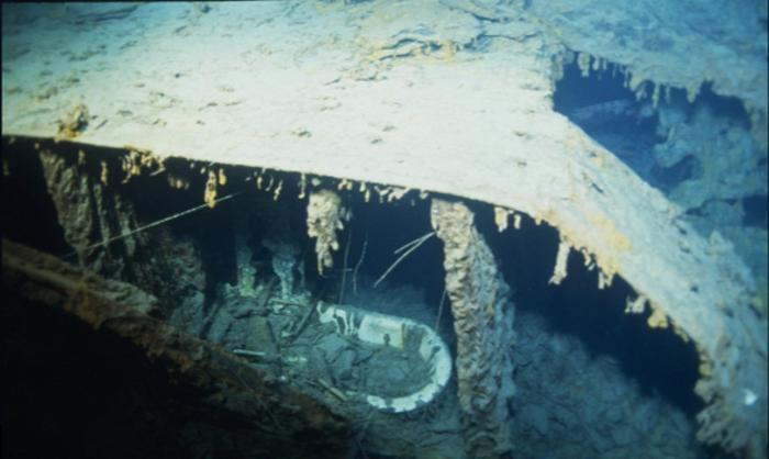 Второе крушение «Титаника»: после 107 лет под водой легендарный корабль постепенно уходит в небытие