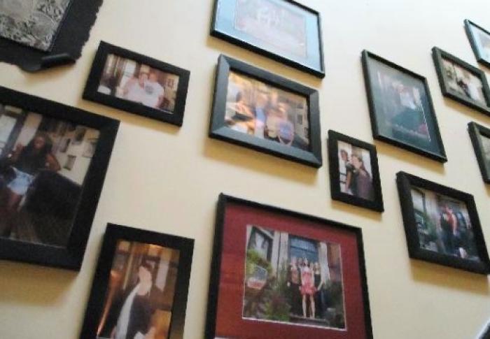 Чтобы избежать неприятностей: как правильно хранить фотографии покойных родственников