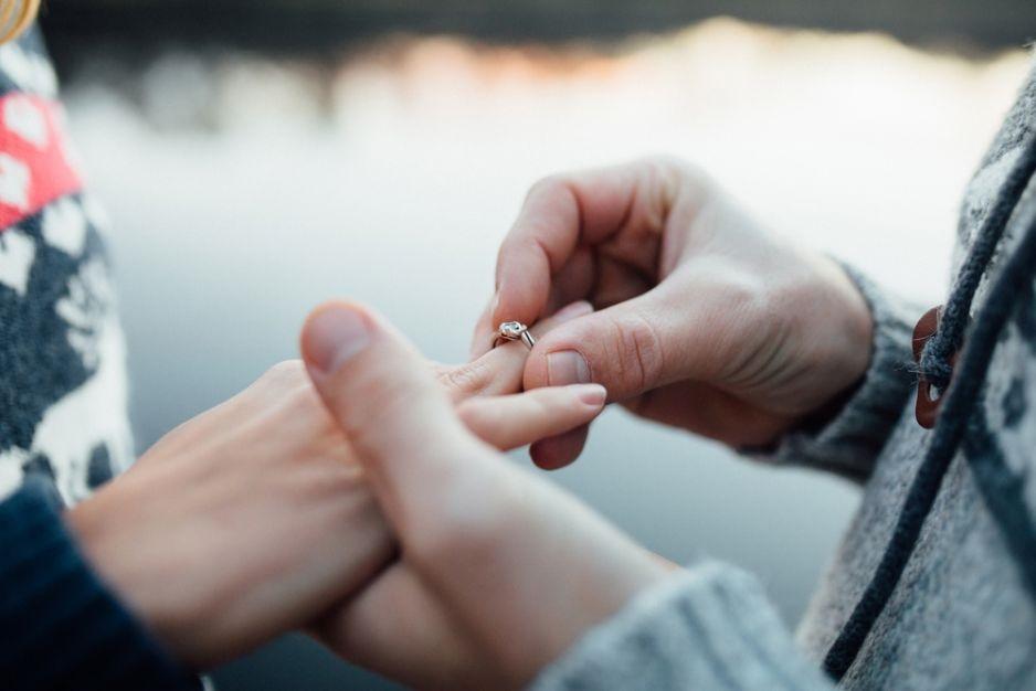 Каким образом брак защищает наш мозг от слабоумия: результаты исследования