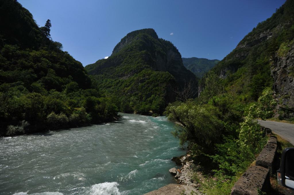 Мы с мужем решили устроить себе отдых в Абхазии: делюсь ценами в этой стране
