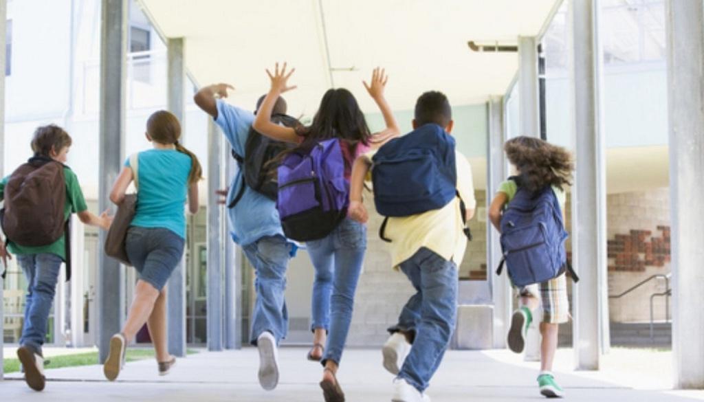 Дети должны больше двигаться в школе, чтобы лучше усваивать информацию, улучшать память, а также бороться со стрессом