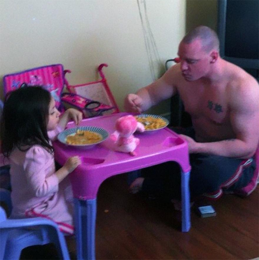 Когда папа остался с ребенком: 10 забавных и милых фотографий