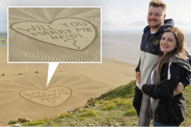 Необычное предложение руки и сердца на пляже в виде 85 метрового сообщения