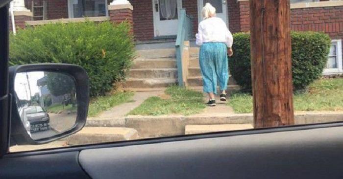 Мужчина увидел на дороге старушку и сразу нажал на тормоз. Когда он посадил ее к себе, услышал трогательную историю