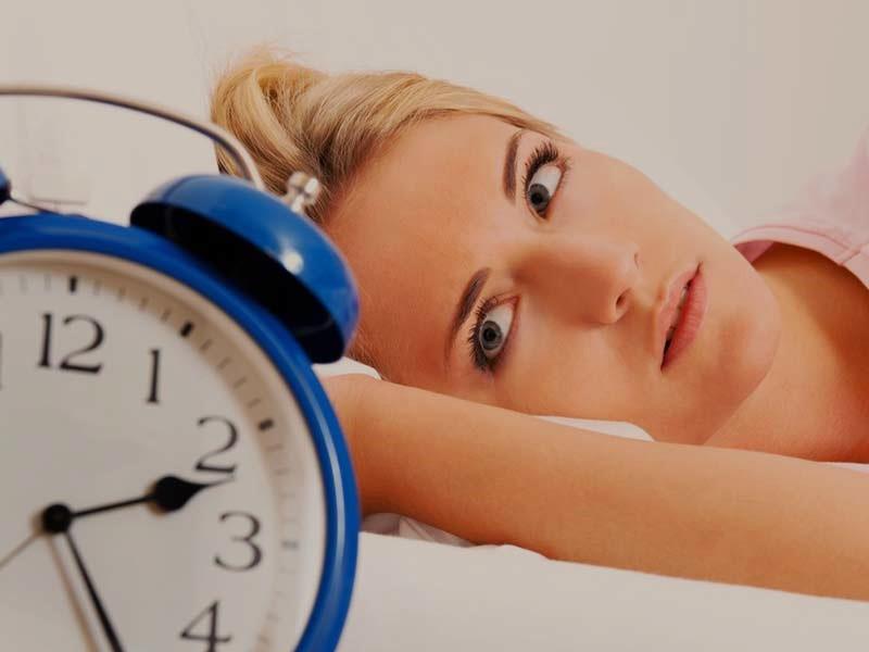Те, кто ложатся спать в 3 часа ночи, очень энергичны и креативны: взаимосвязь времени отхода ко сну и характера