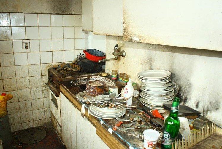Девушка купила полуразрушенную квартиру и затеяла ремонт. Спустя два месяца она поделилась результатом (фото)