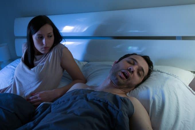 4 честные причины, почему мамы спят меньше, чем папы
