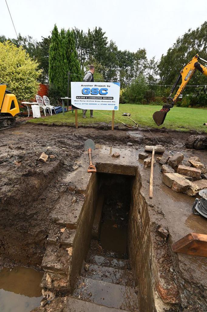 Таинственное подземелье: женщина из Шотландии наткнулась на убежище при строительстве фундамента