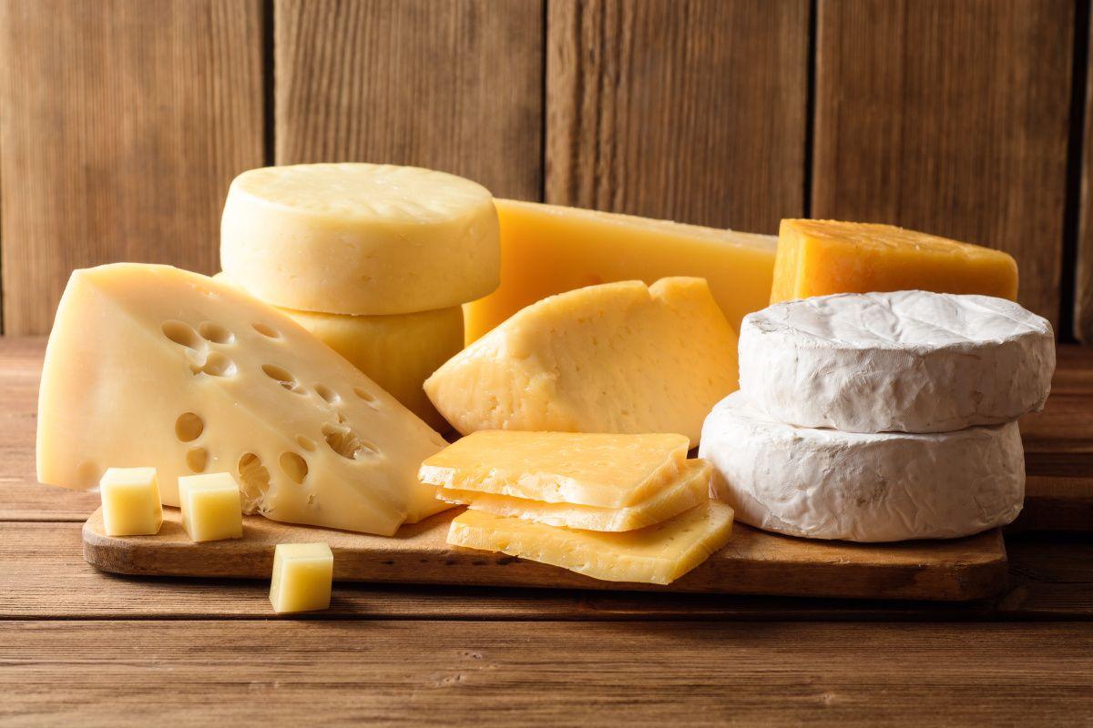 Сыр может компенсировать повреждение кровеносных сосудов от соли