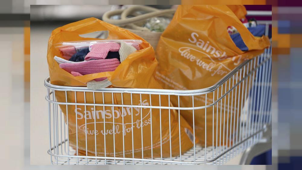 Шаг к улучшению состояния природы: сеть супермаркетов в Великобритании сократит вдвое количество пластиковых упаковок к 2025 году