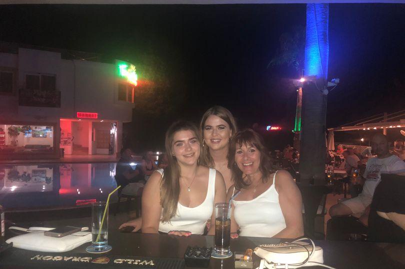 Девушка провела отпуск в Турции. И вернулась домой с новым четырехлапым членом семьи