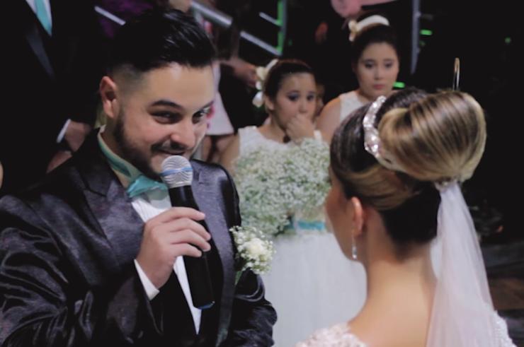 Во время свадьбы жених взял микрофон и сказал, что любит другую, а затем обнял ее. Невеста расплакалась от умиления