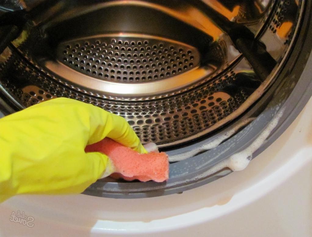Бабушка научила, как быстро избавиться от плесени в стиральной машине. Теперь сверкает как новенькая!