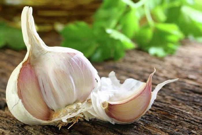 Всего один зубчик чеснока в день защищает от вредного холестерина и повышает уровень полезного