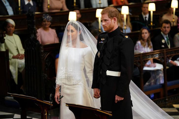 Самые впечатляющие свадебные платья с прошлого века и до нашего времени: у Меган Маркл была пятиметровая вуаль