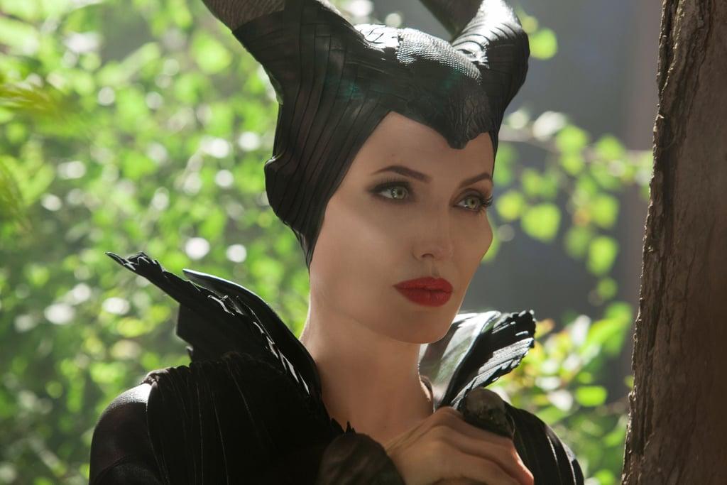 Видео завораживает: волшебная трансформация Анджелины Джоли в Малефисенту