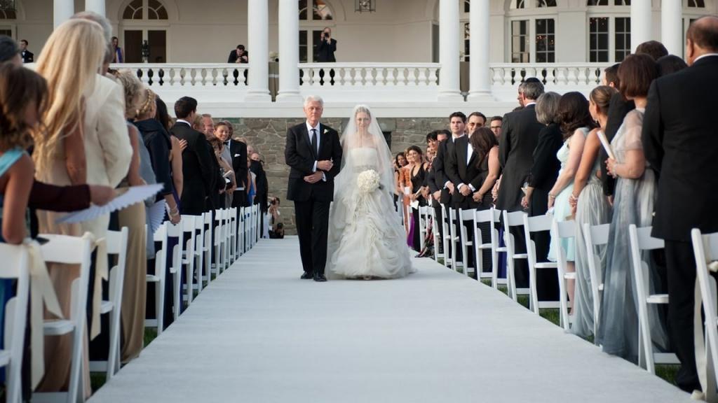 Не искать подходящего парня, не устанавливать срок и другие вещи, которые не должен делать отец для свадьбы дочери